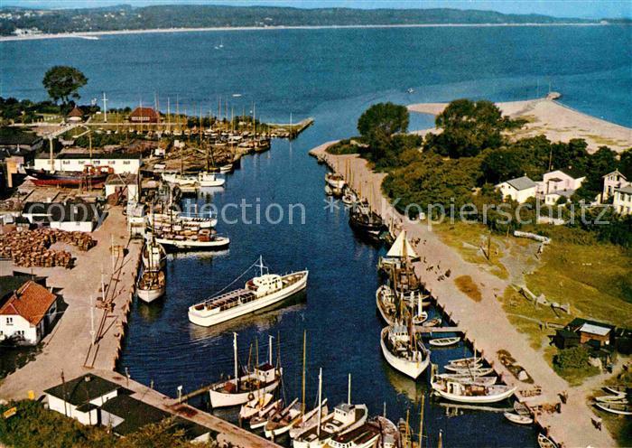 AK / Ansichtskarte Niendorf Timmendorfer Strand Fliegeraufnahme Hafen Kat. Timmendorfer Strand