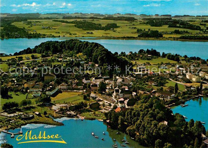 AK / Ansichtskarte Mattsee Salzburg Fliegeraufnahme Schlossberg  Kat. Mattsee