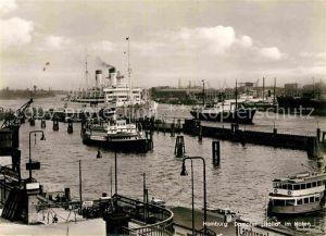 AK / Ansichtskarte Dampfer Oceanliner Dampfer Italia Hafen Hamburg  Kat. Schiffe
