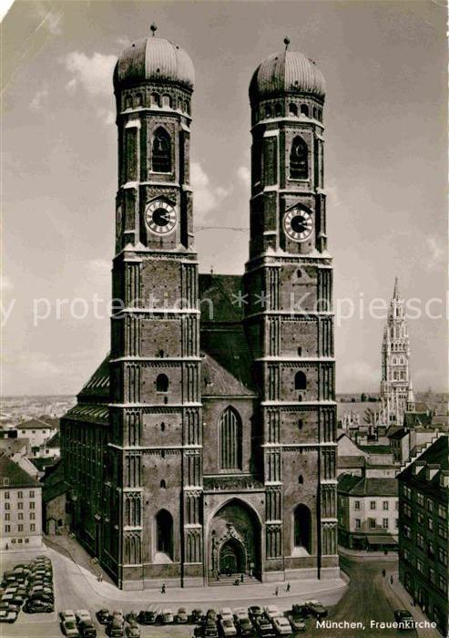 AK / Ansichtskarte Muenchen Frauenkirche Kat. Muenchen