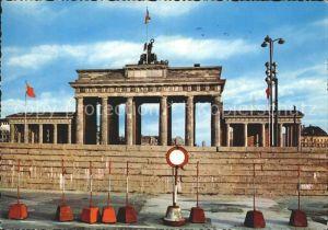 AK / Ansichtskarte Berlin Mauer vor dem Brandenburger Tor Kat. Berlin