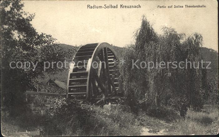 AK / Ansichtskarte Kreuznach Bad Wasserrad Radium Solbad Partie auf Saline Theodorshalle Kat. Bad Kreuznach