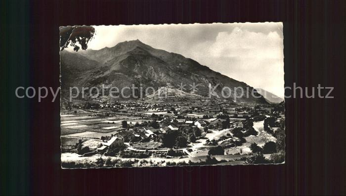 AK / Ansichtskarte Laruns Vue generale Gave d Ossau et les Cinq Monts Montagne Kat. Laruns