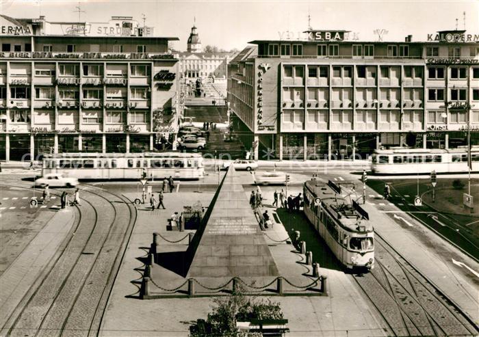 AK / Ansichtskarte Strassenbahn Karlsruhe Marktplatz Volksbank Hotel am Markt  Kat. Strassenbahn