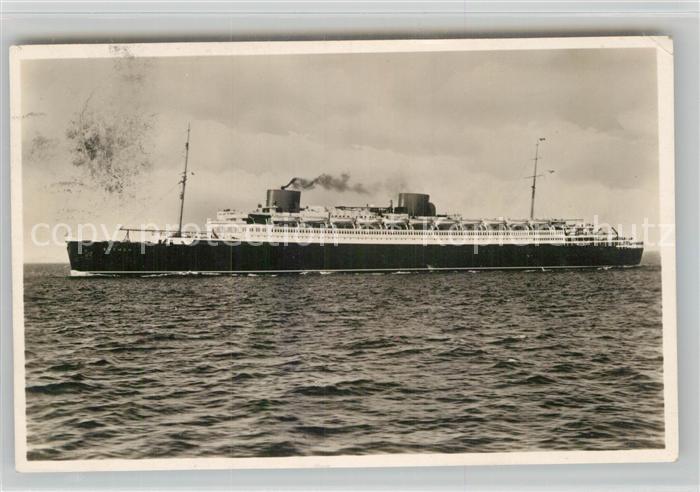 AK / Ansichtskarte Dampfer Oceanliner Turbinen Schnelldampfer Bremen  Kat. Schiffe