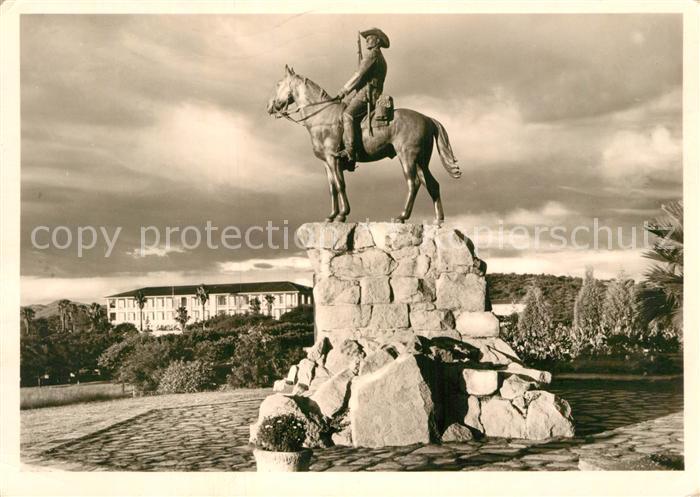 AK / Ansichtskarte Windhoek Der Reiter von Suedwest Kat. Windhoek