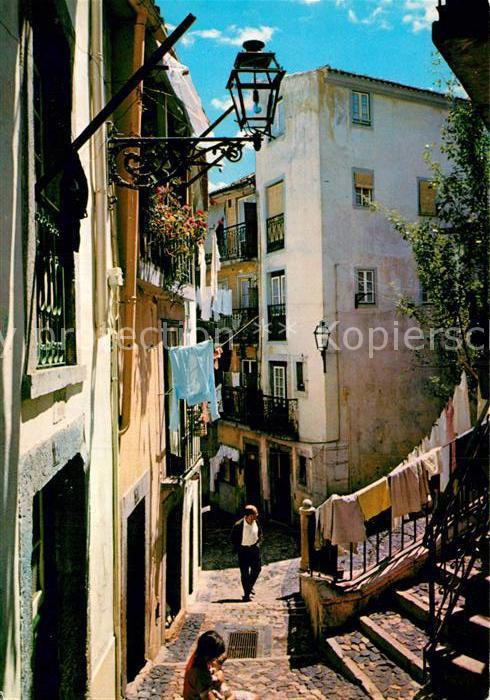 AK / Ansichtskarte Lisboa Rua tipica de Alfama Kat. Portugal