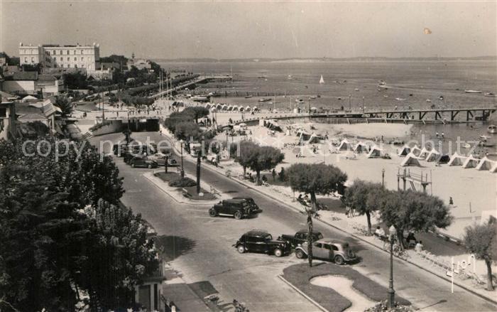 AK / Ansichtskarte Arcachon Gironde Strandpromenade Kat. Arcachon
