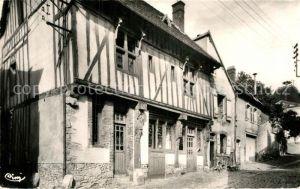 AK / Ansichtskarte Joigny Yonne Rue Bourg le Vicomte vieille maison de bois dite Maison du Vicaire Kat. Joigny