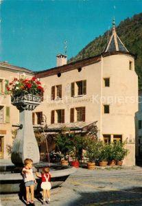 AK / Ansichtskarte Martigny VS Fontaine fleurie et facade de Martigny Bourg Kat. Martigny