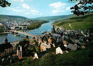 AK / Ansichtskarte Bernkastel Kues Panorama Weinstadt an der Mosel Weinberge Kat. Bernkastel Kues