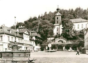 AK / Ansichtskarte Leutenberg Thueringen Marktplatz Brunnen Kirche Kat. Leutenberg