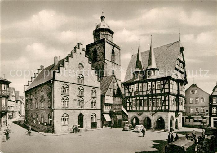 AK / Ansichtskarte Alsfeld Marktplatz mit Rathaus Historisches Gebaeude Fachwerkhaus Kat. Alsfeld