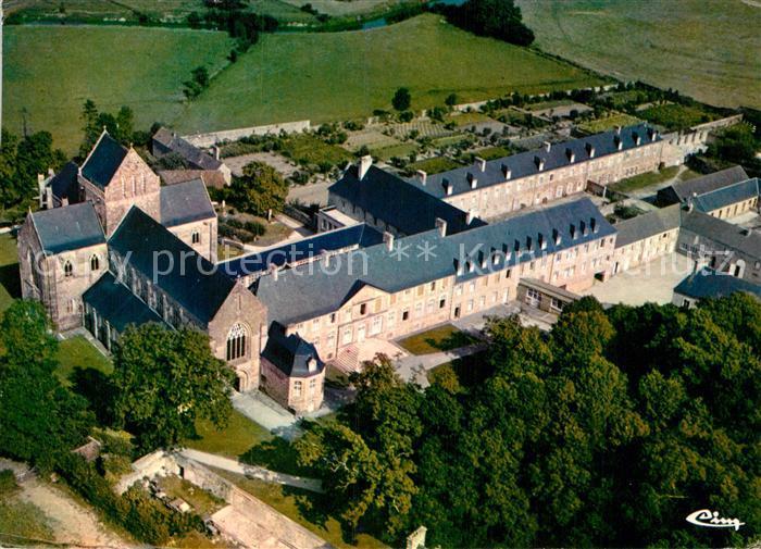 AK / Ansichtskarte Saint Sauveur le Vicomte Vue generale aerienne de l abbaye Kat. Saint Sauveur le Vicomte