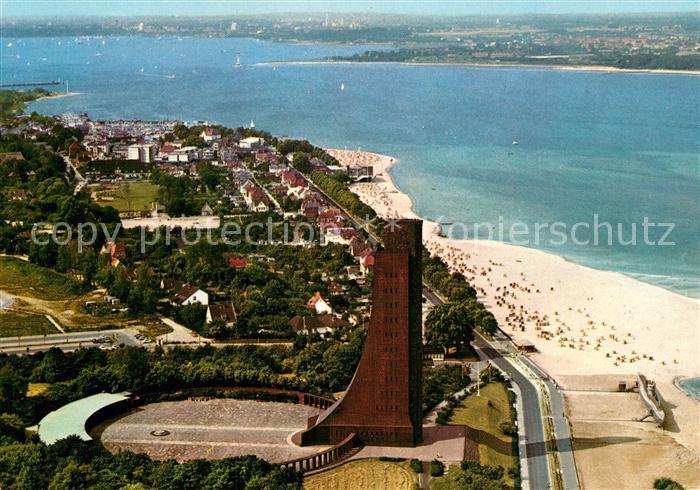 AK / Ansichtskarte Laboe Fliegeraufnahme Marine Ehrenmal Strand Kat. Laboe