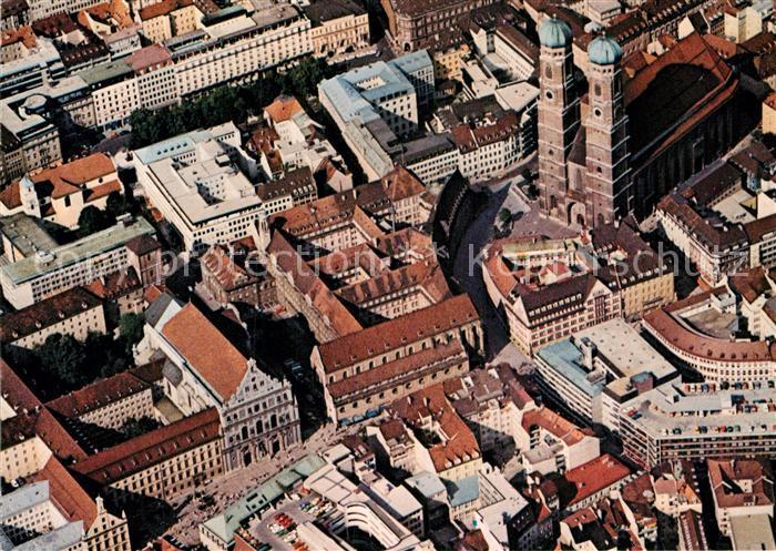 AK / Ansichtskarte Muenchen Fliegeraufnahme Frauenkirche Michaelskirche Innenstadt Kat. Muenchen