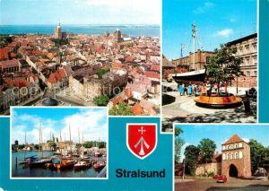 AK / Ansichtskarte Stralsund Mecklenburg Vorpommern Blick von St Marien Kutter am Meeresmuseum Stralsund Fischereihafen Kniepertor Kat. Stralsund
