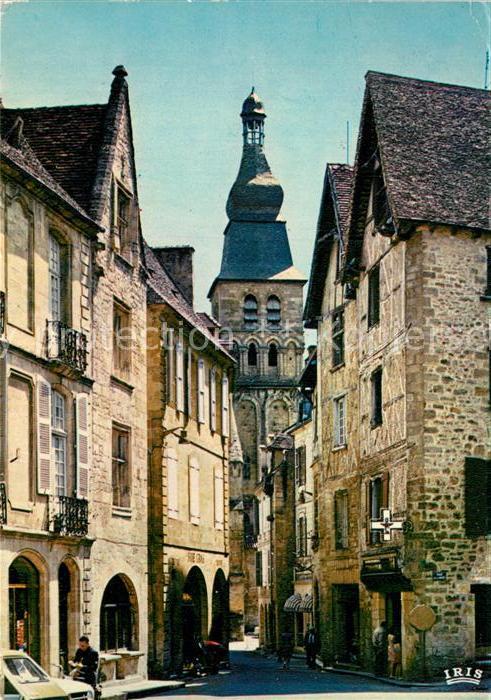 AK / Ansichtskarte Sarlat en Perigord Rue et place de la Liberte