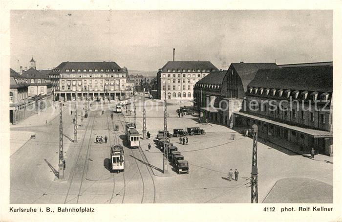 AK / Ansichtskarte Karlsruhe Baden Bahnhofsplatz Strassenbahn