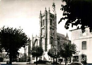 AK / Ansichtskarte Ambert Eglise et Place Saint Jean Kat. Ambert