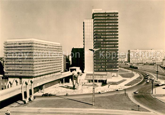AK / Ansichtskarte Halle Saale Ernst Thaelmann Platz mit Haus des Lehrers Kat. Halle