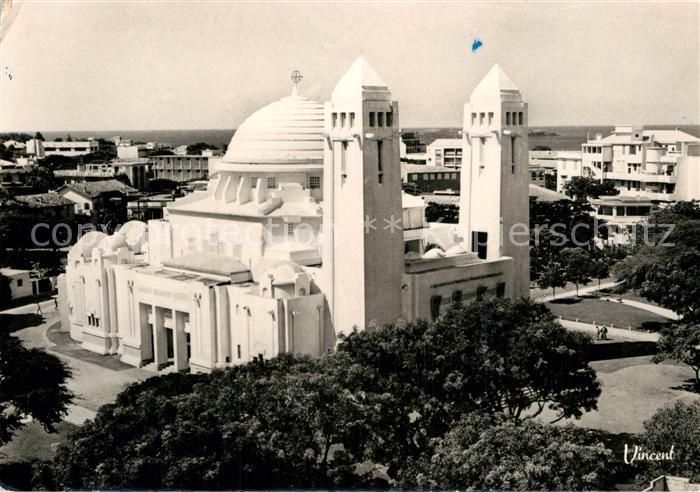AK / Ansichtskarte Dakar La Cathedrale du Souvenir Africain Kat. Dakar
