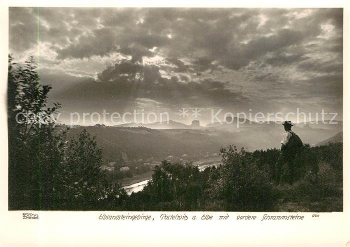 AK / Ansichtskarte Postelwitz Wanderer Panorama Blick auf Schrammsteine Elbsandsteingebirge Kat. Bad Schandau