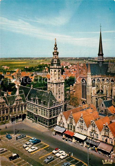 AK / Ansichtskarte Furnes Flandre Beffroi et Coin de la Grande Place Kat.