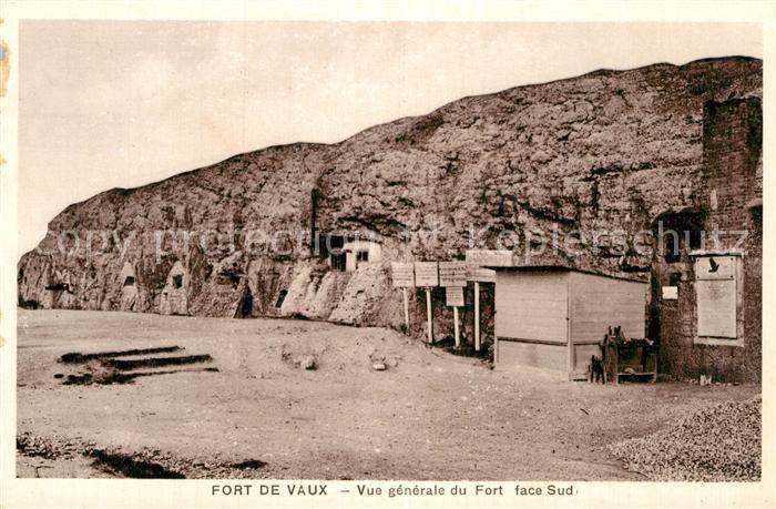 AK / Ansichtskarte Fort de Vaux Vue generale du Fort face Sud Kat. Verdun