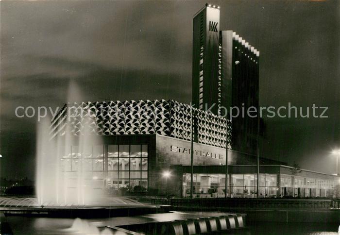 AK / Ansichtskarte Karl Marx Stadt Stadthalle mit Interhotel Kongress Fontaene Nachtaufnahme Kat. Chemnitz