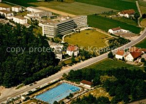 AK / Ansichtskarte Bad Driburg Fliegeraufnahme Schwimmbad Sanatorium Berlin BfA Kat. Bad Driburg