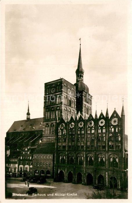 AK / Ansichtskarte Stralsund Mecklenburg Vorpommern Rathaus Nicolai Kirche  Kat. Stralsund
