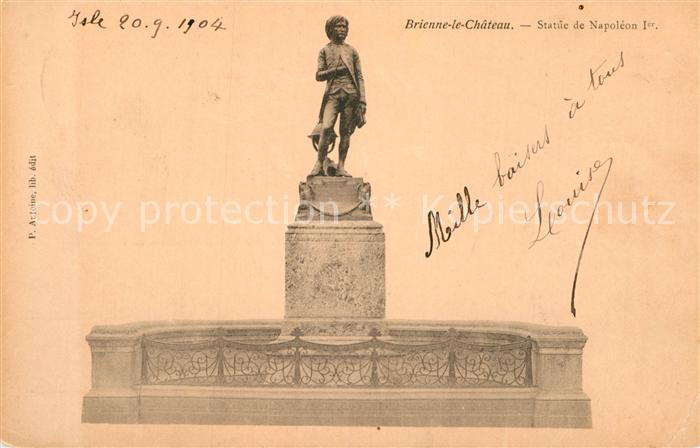 AK / Ansichtskarte Brienne le Chateau Statue de Napoleon 1 Kat. Brienne le Chateau