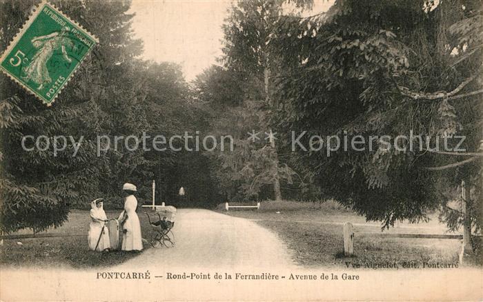 AK / Ansichtskarte Pontcarre Rond Point Ferrandiere Avenue de la Gare Kat. Pontcarre