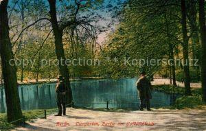 AK / Ansichtskarte Berlin Tiergarten am Goldfischteich Kat. Berlin