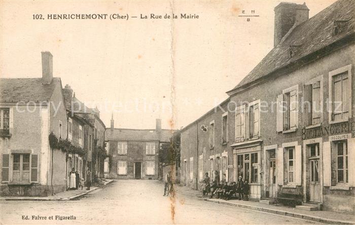 AK / Ansichtskarte Henrichemont Rue de la Mairie Kat. Henrichemont