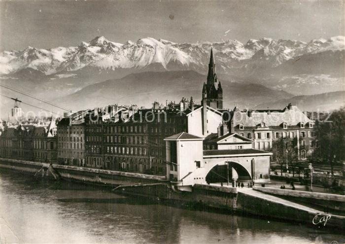 AK / Ansichtskarte Grenoble Les quais le teleferique et les Alpes Kat. Grenoble