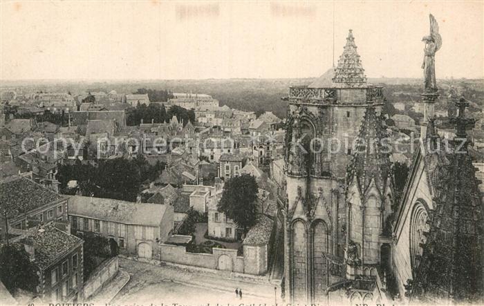 AK / Ansichtskarte Poitiers Vienne Vue prise de la tour de la Cathedrale Kat. Poitiers