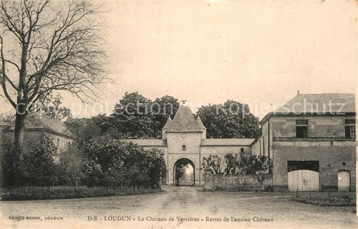 AK / Ansichtskarte Loudun Chateau de Verrieres Kat. Loudun