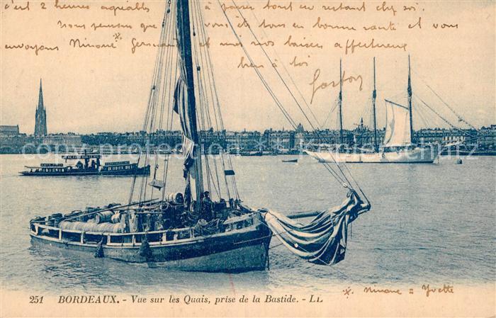 AK / Ansichtskarte Bordeaux Vue sur les Quais prise de la Bastide Kat. Bordeaux