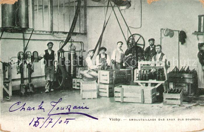 AK / Ansichtskarte Vichy Allier Embouteillage des eaux des sources Kat. Vichy