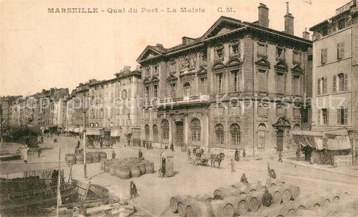 AK / Ansichtskarte Marseille Bouches du Rhone Quai du Port et la Mairie