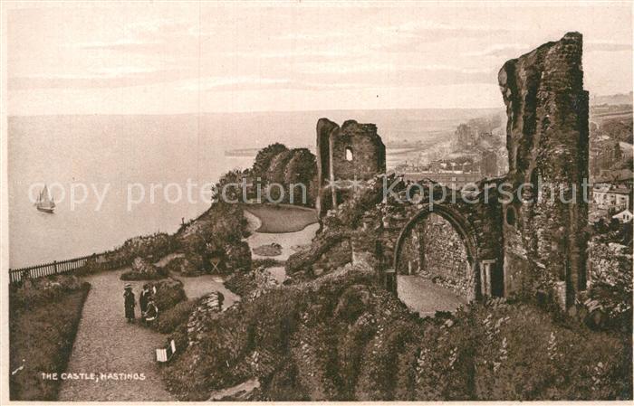 AK / Ansichtskarte Hastings East Sussex Castle Ruines Coast Kat. Hastings
