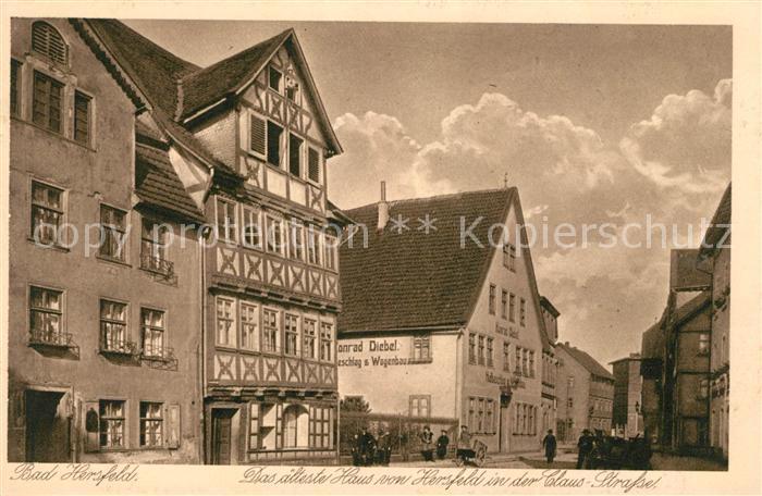 AK / Ansichtskarte Bad Hersfeld aeltestes Haus in der Clausstrasse Fachwerkhaus Altstadt Kupfertiefdruck Kat. Bad Hersfeld