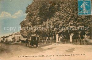 AK / Ansichtskarte Les Rosiers sur Loire Le Mail et la Rue de la Gare Kat. Les Rosiers sur Loire