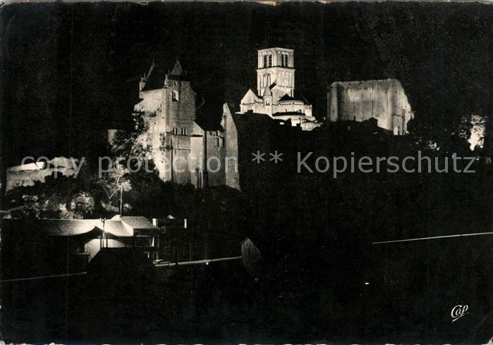 AK / Ansichtskarte Chauvigny Chateau et Eglise Saint Pierre illumines Kat. Chauvigny