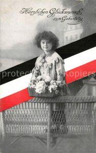 AK / Ansichtskarte Schwarz Weiss Rot Geburtstag Kind Blumen  Kat. Heraldik