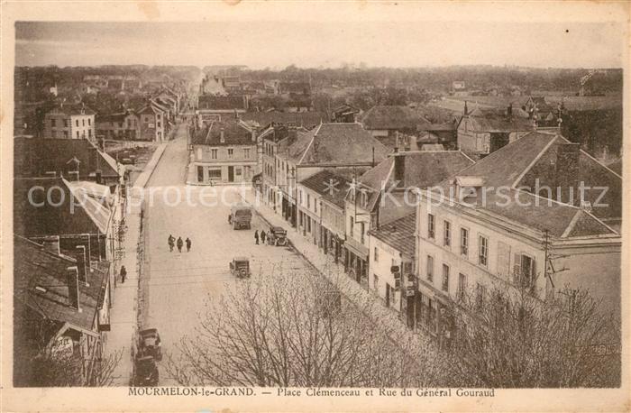 AK / Ansichtskarte Mourmelon le Grand Place Clemenceau Rue du General Gouraud Kat. Mourmelon le Grand