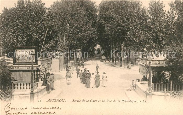 AK / Ansichtskarte Avignon Vaucluse Sortie de la Gare et Rue de la Republique Kat. Avignon