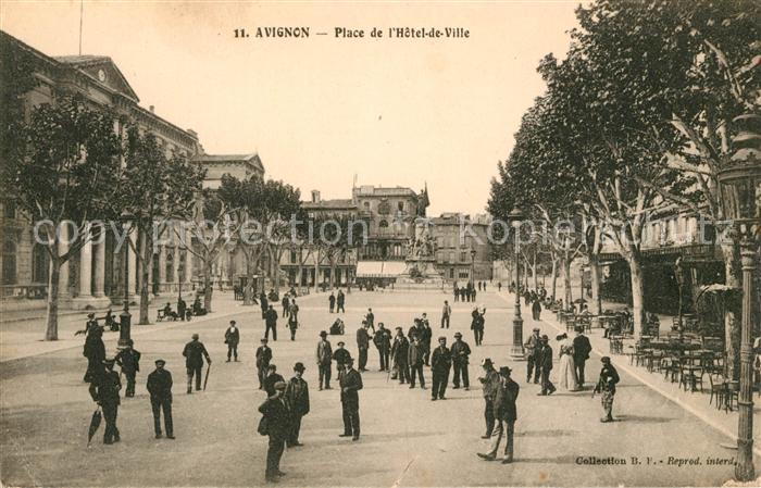 AK / Ansichtskarte Avignon Vaucluse Place de l`Hotel de Ville Kat. Avignon